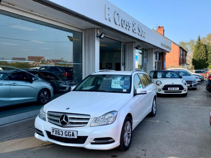 MERCEDES C-CLASS C220 CDI BLUEEFFICIENCY EXECUTIVE SE - 4239 - 1